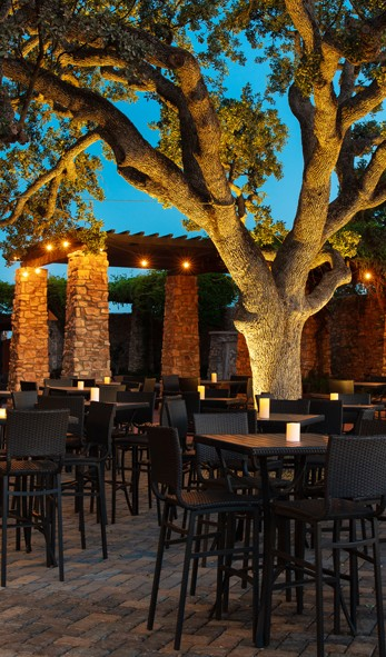 Vina Robles Petite Terrace Patio Dining